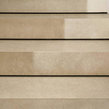 Treppenstufen aus Feinsteinzeug